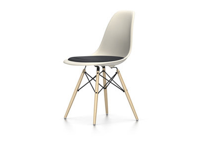 Vitra Eames Plastic Side Chair DSW mit Sitzpolster