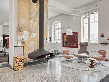 Bildergalerie-Freiburg-Lokhalle-Kamin-Vitra-Grand-Repos-Petit-Repos-Artemide-Tolomeo