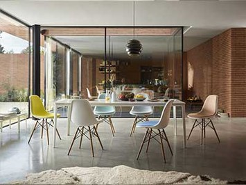 Plate Dining Table 1 Eames Plastic Chair DSW gratis